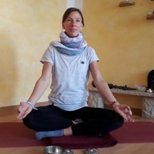 Yoga-Lehrerin Heidi